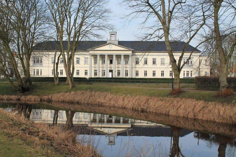 Das Bild zeigt das erste Krankenhaus in Oldenburg